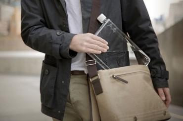 水筒の新しい形。持ち運び便利なA4,A5サイズのボトル。
