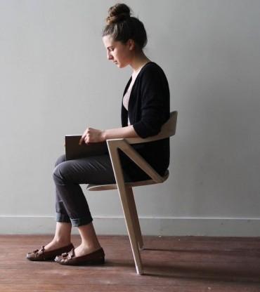 ダイエットに効果あり!? 超バランスの椅子